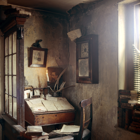 Dickens' Desk