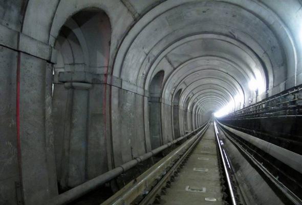 insidetunnel1